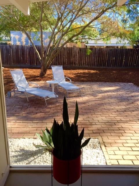 Salemblog-livingroomtobackyard