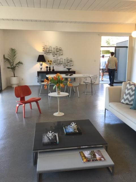 Losbanos-livingroom14