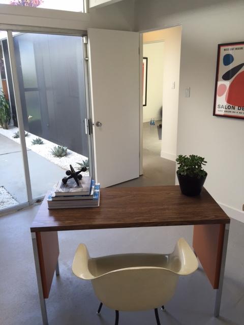 Salemblog-office
