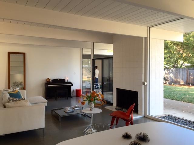 Losbanos-livingroom8