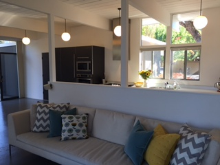 Losbanos-livingroomtokitchen
