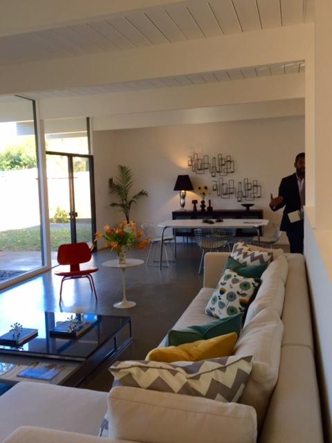 Losbanos-livingroom11
