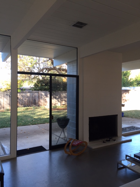 Losbanos-livingroom6